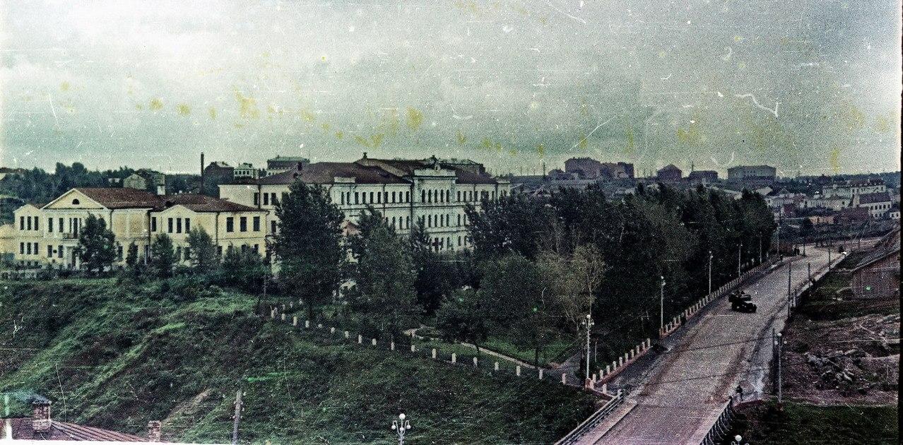 http://www.evitebsk.com/w/images/1/1f/Pushkina-1950-e-ed.jpg